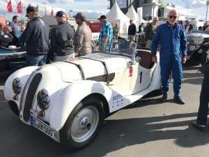 Ulrich Sauer mit seinem BMW 328
